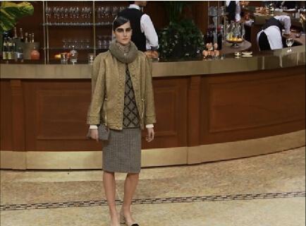 香奈儿——CHANEL 2015秋冬巴黎: 做坚强的香奈儿女人
