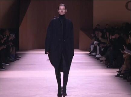 爱马仕——HERMES 2015秋冬巴黎: 时尚坚毅的女性形象